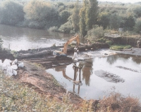 LE-Old-Wier-Woolston-being-demolished-in-2000-e1448961021762