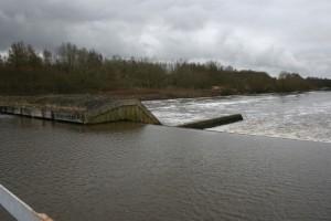46 floods at weir after 46 (1944 x 1296)