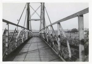 70 suspension bridge before 50(740 x 516)