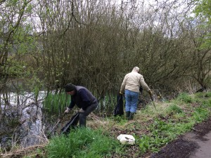 New Cut Canal litter pick 16.04.16 1 Jim Greenslade and 50 (1632 x 1224)