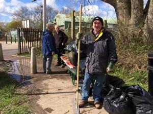 New Cut Canal litter pick 16.04.16 17a Geoff Leah 50(1632 x 1224)