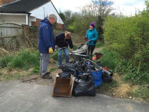 New Cut Canal litter pick 16.04.16 rubbish b 50(1632 x 1224)